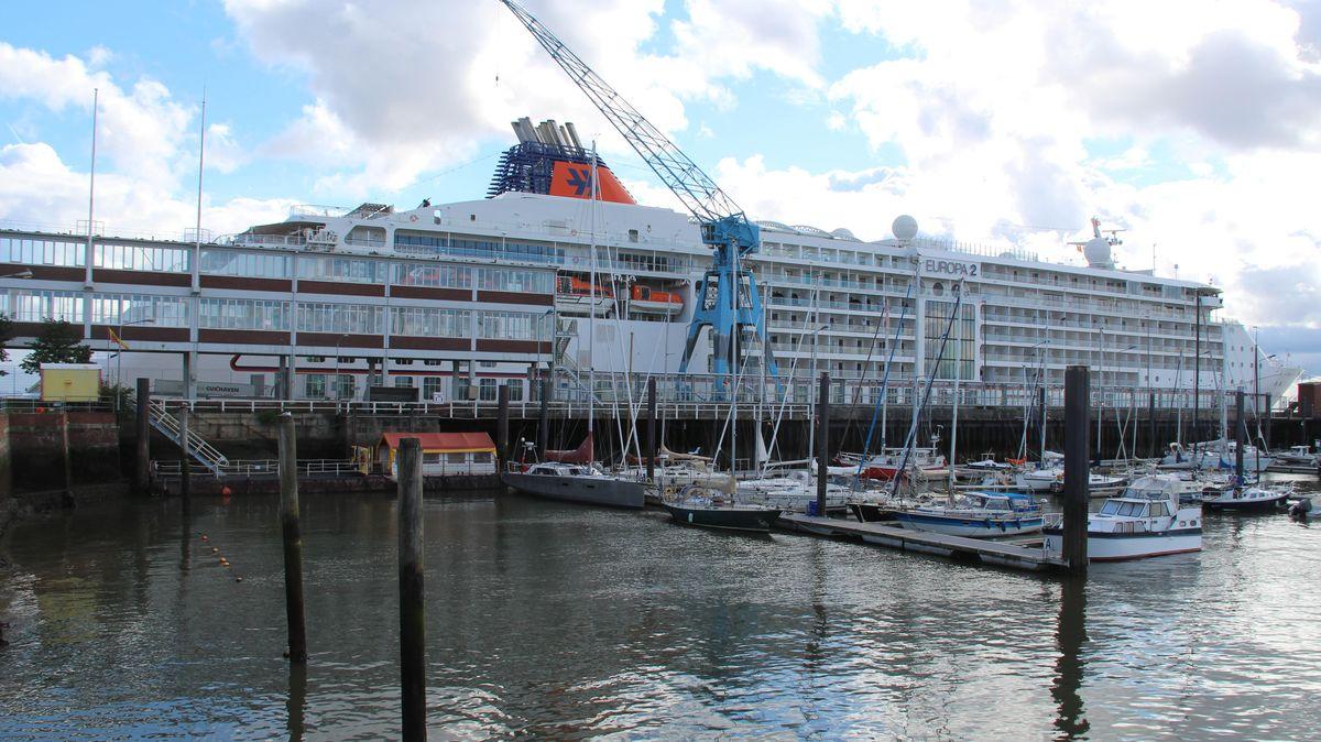 Kreuzfahrtschiff Cuxhaven