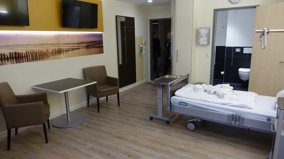 Fußboden Im Krankenhaus ~ Helios cuxhaven: patientenzimmer mit hotel charakter cnv medien