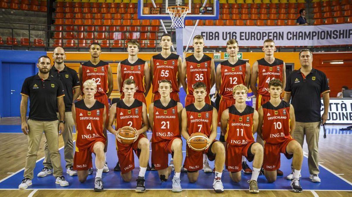 Basketball Cuxhavener Kilian Brockhoff Spielte Bei Em In